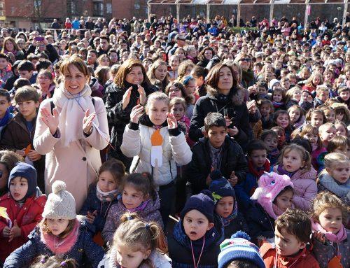 El Ayuntamiento celebra el Día de la Paz con los alumnos de cinco colegios vallisoletanos