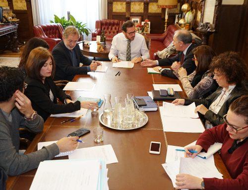El PP municipal tergiversa la información achacando vicios en un proceso de contratación, que se realizó exactamente igual que el anterior, licitado cuando Jesús Enríquez Tauler era presidente de NEVASA