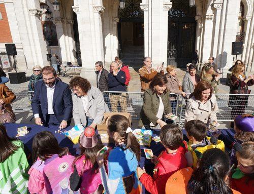 """El Ayuntamiento celebra """"El Carnaval de los Coles"""" con los escolares de Valladolid"""
