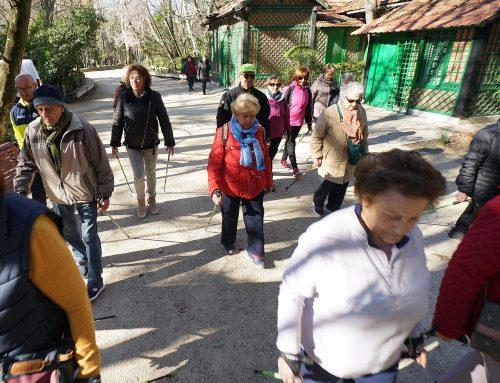 Los mayores de Valladolid se inician en la marcha nórdica