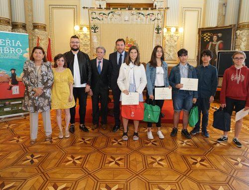 El alcalde entrega los premios del VI Certamen 'La Igualdad no es un cuento' y del primer concurso de cómic 'Edad Media: la época del Conde Ansúrez'