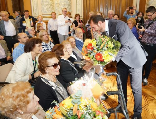 El Ayuntamiento quiere que todos los mayores de 100 años puedan participar en el acto institucional