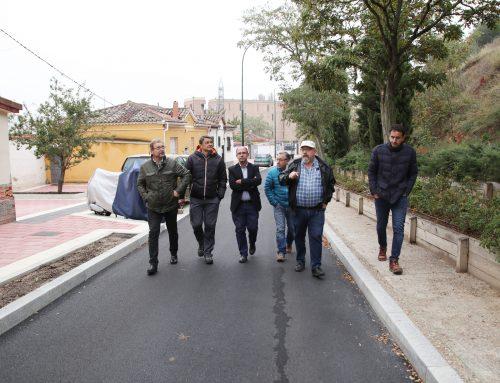 El Ayuntamiento concluye la urbanización de la calle Curvada, en el barrio Girón, con una inversión de 489.000 euros