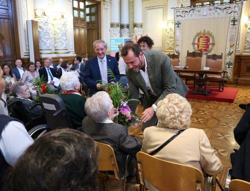 El Ayuntamiento celebra el acto de homenaje del Día Internacional de las Personas de Edad
