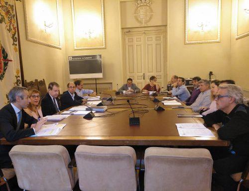 El Ayuntamiento de Valladolid elaborará una nueva ordenanza para regular el taxi entre la ciudad y los municipios del entorno