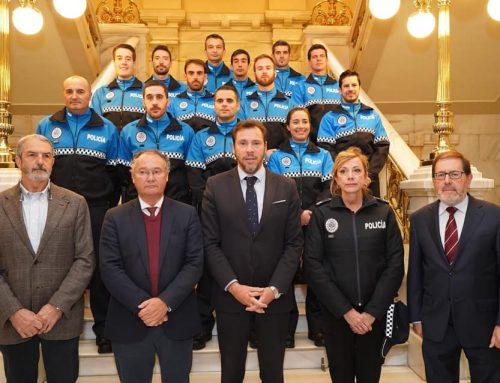 Seis nuevos agentes de la Policía Municipal han tomado posesión de sus cargos en el Ayuntamiento