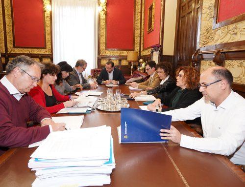 El Ayuntamiento aprueba las ayudas de urgencia social a las familias por más de un millón de euros