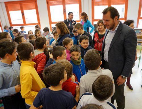 El alcalde exige a la Junta de Castilla y León criterios claros sobre el inicio del curso y mayor financiación