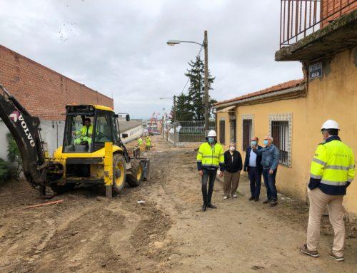 El Ayuntamiento inicia la urbanización de la calle Aralia en el barrio de Las Flores