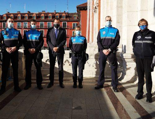 Continua el rejuvenecimiento de la Policía Municipal con la toma de posesión de 4 nuevos agentes a los que se sumarán otros 20