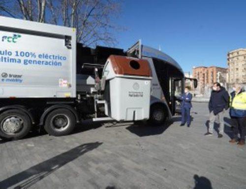 Valladolid abre camino hacia una flota de emisiones cero con un camión de la basura 100% eléctrico a prueba