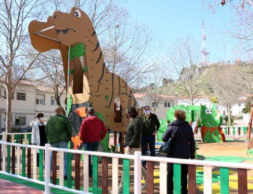 Los vecinos de Girón estrenan la reforma de la plaza Elíptica que han votado